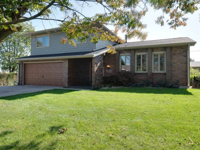 102 Eastview Drive, Lexington, IL 61753 (MLS #10548844) :: Century 21 Affiliated