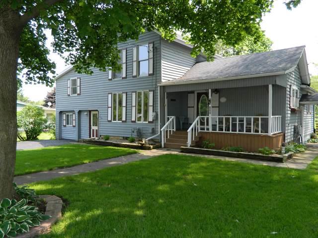 220 N Oak Street, Hinckley, IL 60520 (MLS #10549388) :: Baz Realty Network   Keller Williams Elite