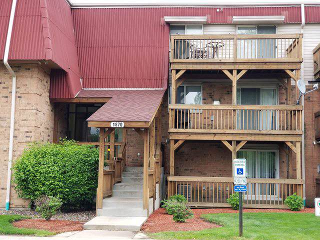 1870 Tall Oaks Drive #2102, Aurora, IL 60505 (MLS #10549891) :: The Spaniak Team