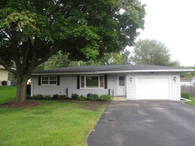 1012 Jasper Drive, Mchenry, IL 60051 (MLS #10549945) :: Lewke Partners