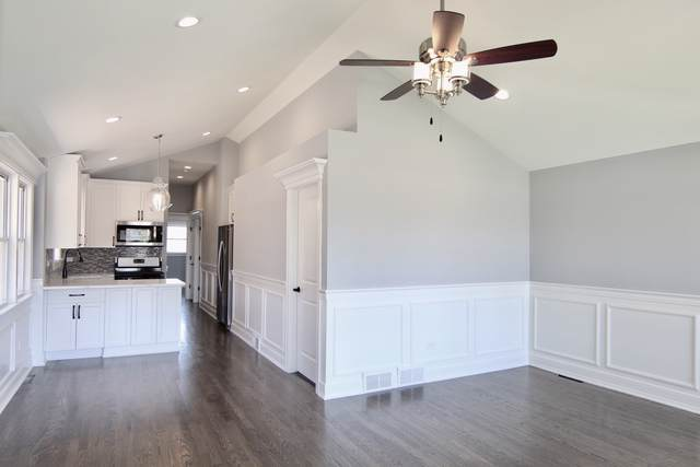 5013 S Luna Avenue, Stickney, IL 60638 (MLS #10550181) :: Littlefield Group