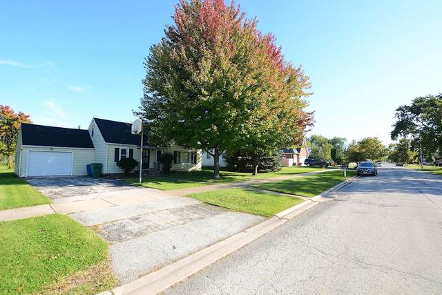 7925 Lockwood Avenue, Burbank, IL 60459 (MLS #10550873) :: Property Consultants Realty