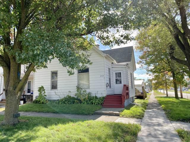 722 W Walnut Street, Bloomington, IL 61701 (MLS #10550925) :: Janet Jurich Realty Group