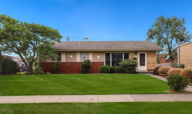 121 E Central Avenue, Lombard, IL 60148 (MLS #10551097) :: Angela Walker Homes Real Estate Group