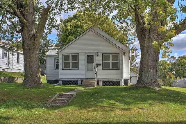 227 D Avenue, Rock Falls, IL 61071 (MLS #10551216) :: Baz Realty Network | Keller Williams Elite