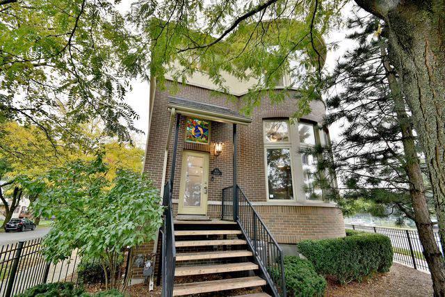815 Dunlop Avenue, Forest Park, IL 60130 (MLS #10551488) :: Angela Walker Homes Real Estate Group