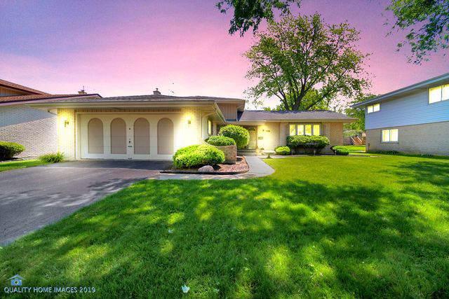 759 S Stuart Avenue, Elmhurst, IL 60126 (MLS #10551741) :: Baz Realty Network | Keller Williams Elite