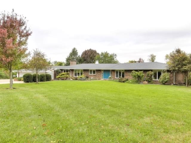 5411 Hickory Manor Lane, CLINTON, IL 61727 (MLS #10552040) :: Touchstone Group
