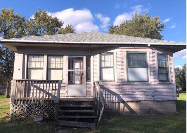 302 W Division Street, Amboy, IL 61310 (MLS #10552238) :: Angela Walker Homes Real Estate Group