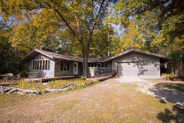 458 Carlock Road, Carlock, IL 61725 (MLS #10552897) :: BN Homes Group