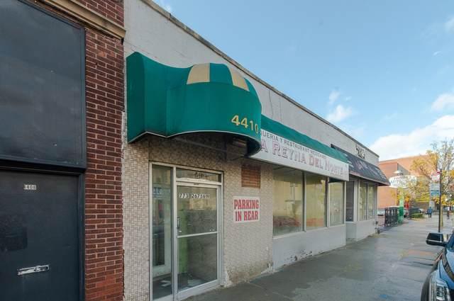 4412 Kedzie Avenue - Photo 1