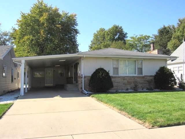 925 N Cain Street, CLINTON, IL 61727 (MLS #10554380) :: Touchstone Group
