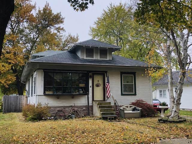 6 N Pine Street, VILLA GROVE, IL 61956 (MLS #10560554) :: Lewke Partners
