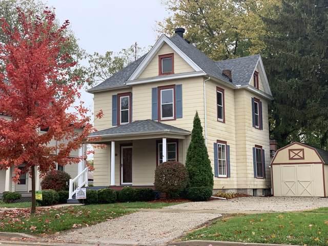 409 S Center Street, CLINTON, IL 61727 (MLS #10562110) :: Ryan Dallas Real Estate