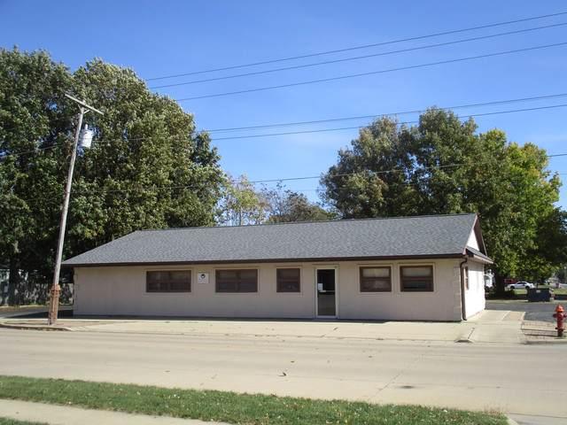 703 Niles Avenue, Tuscola, IL 61953 (MLS #10563093) :: Littlefield Group