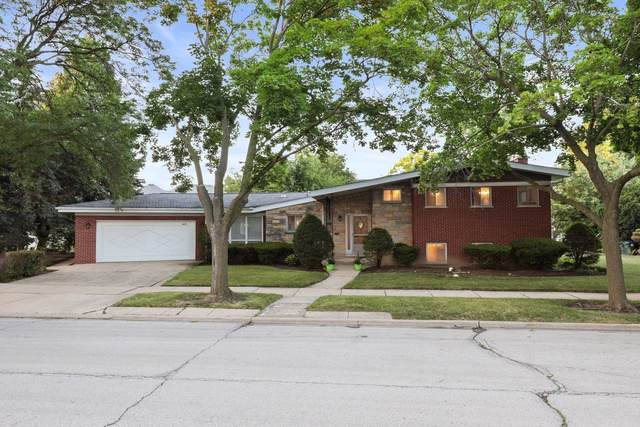 6651 N Dowagiac Avenue, Lincolnwood, IL 60712 (MLS #10564737) :: The Perotti Group | Compass Real Estate