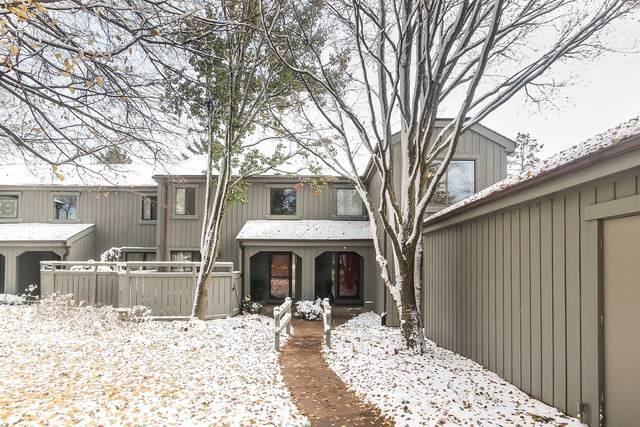 425 Shoreline Road, Lake Barrington, IL 60010 (MLS #10564782) :: Ani Real Estate