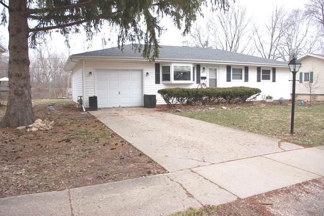 415 Mary Lane, Crystal Lake, IL 60014 (MLS #10567250) :: The Perotti Group | Compass Real Estate