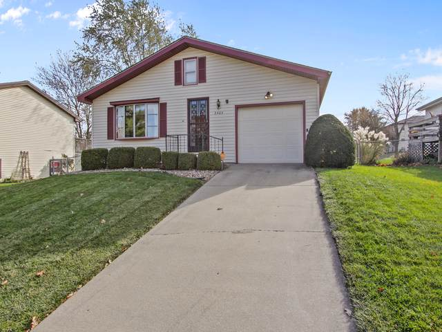 2405 Clearwater Avenue, Bloomington, IL 61704 (MLS #10571037) :: Ryan Dallas Real Estate