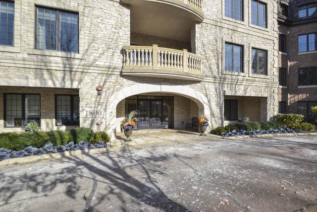 1800 Amberley Court #104, Lake Forest, IL 60045 (MLS #10572435) :: Touchstone Group