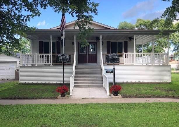 137 N Jones Avenue, Amboy, IL 61310 (MLS #10572547) :: Angela Walker Homes Real Estate Group
