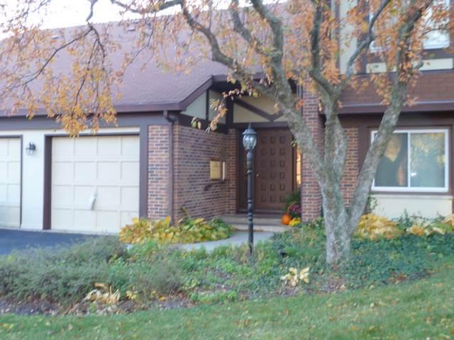 412 Sandhurst Circle A, Glen Ellyn, IL 60137 (MLS #10573480) :: Berkshire Hathaway HomeServices Snyder Real Estate