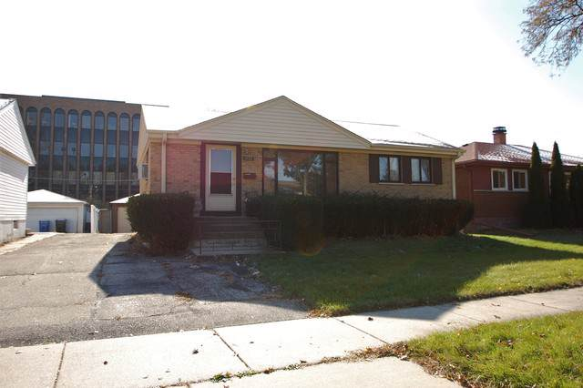2133 Chase Avenue, Des Plaines, IL 60018 (MLS #10573727) :: The Mattz Mega Group