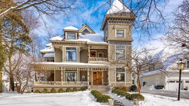 677 Highland Avenue, Glen Ellyn, IL 60137 (MLS #10574637) :: John Lyons Real Estate