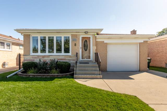 8531 N Ozanam Avenue, Niles, IL 60714 (MLS #10575103) :: The Perotti Group | Compass Real Estate
