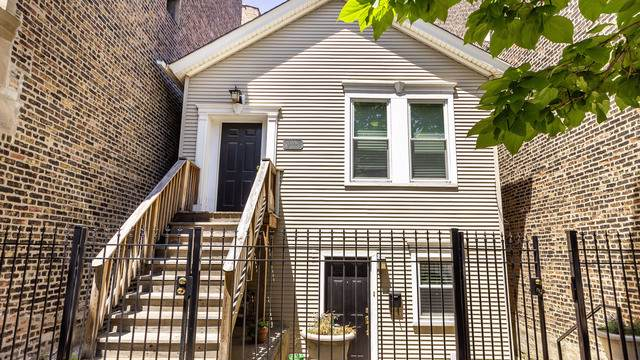 2220 W Taylor Street, Chicago, IL 60612 (MLS #10576055) :: Baz Realty Network | Keller Williams Elite