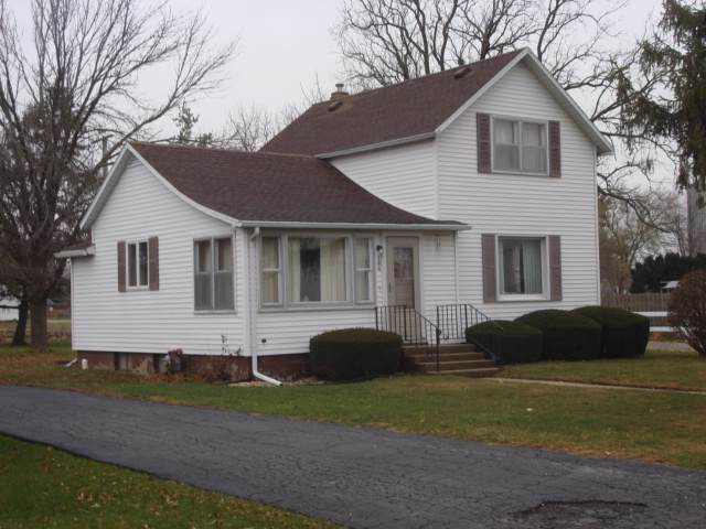 300 Gary Street, Leonore, IL 61332 (MLS #10576460) :: Berkshire Hathaway HomeServices Snyder Real Estate