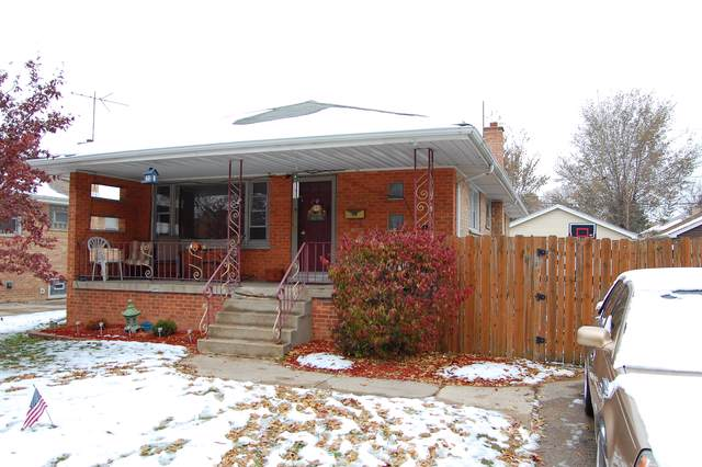 2724 W 99th Street, Evergreen Park, IL 60805 (MLS #10576507) :: The Perotti Group | Compass Real Estate