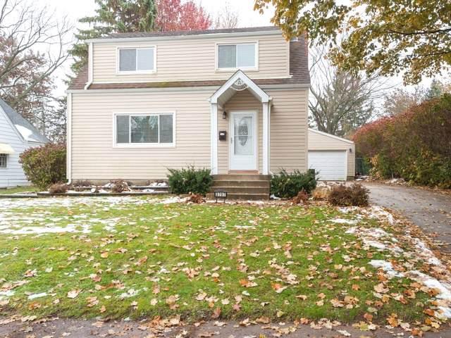 3707 Maple Avenue, Mchenry, IL 60050 (MLS #10576982) :: Lewke Partners
