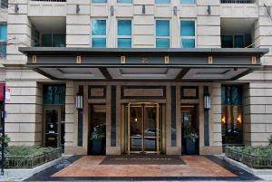 25 E Superior Street #902, Chicago, IL 60611 (MLS #10578298) :: Property Consultants Realty