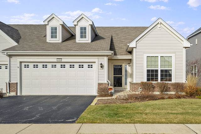1716 Kelley Lane, Pingree Grove, IL 60140 (MLS #10578470) :: The Perotti Group | Compass Real Estate
