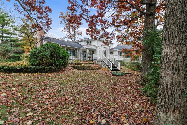 10 Deerpath Lane, Palos Park, IL 60464 (MLS #10579054) :: The Wexler Group at Keller Williams Preferred Realty