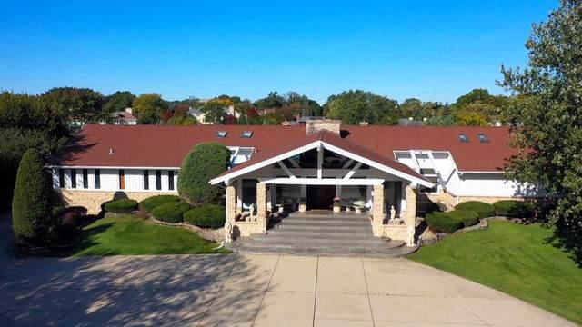 12 Lochinvar Lane, Oak Brook, IL 60523 (MLS #10579889) :: Littlefield Group