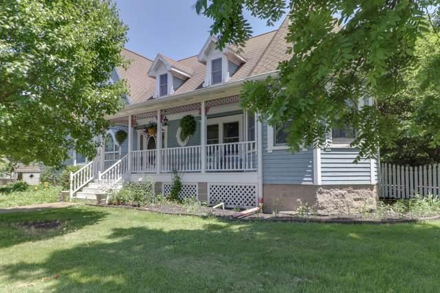 102 N Center Street, Gridley, IL 61744 (MLS #10581719) :: Lewke Partners