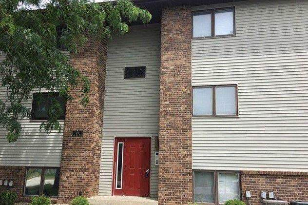 1916 Tracy Drive #28, Bloomington, IL 61704 (MLS #10581765) :: Baz Realty Network | Keller Williams Elite