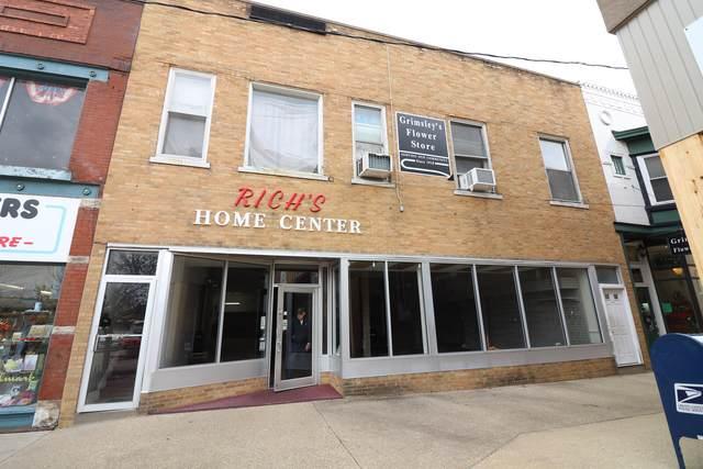 405 S Side Square, CLINTON, IL 61727 (MLS #10585106) :: John Lyons Real Estate