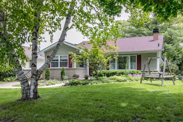 240 Harding Avenue, Libertyville, IL 60048 (MLS #10585371) :: Helen Oliveri Real Estate