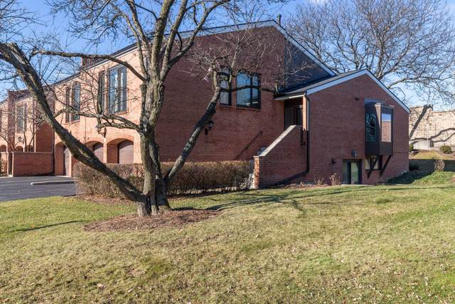 19W206 Prince George Lane, Oak Brook, IL 60523 (MLS #10586689) :: Angela Walker Homes Real Estate Group