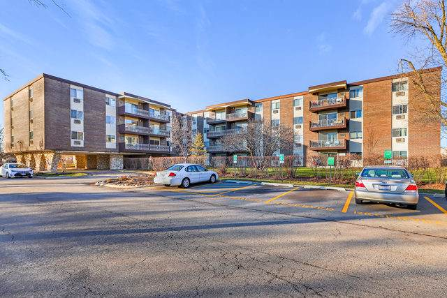 1311 S Finley Road #306, Lombard, IL 60148 (MLS #10586830) :: Property Consultants Realty