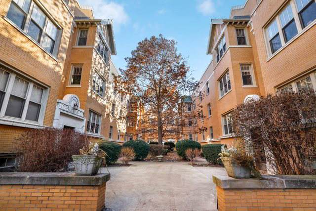 3133 W Palmer Boulevard #2, Chicago, IL 60647 (MLS #10587555) :: LIV Real Estate Partners