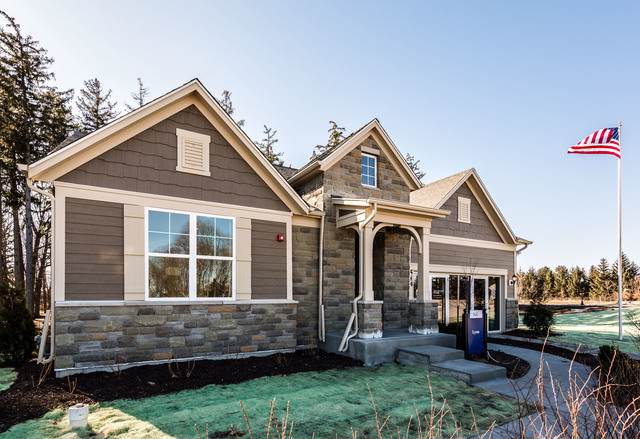 692 Insull Drive, Vernon Hills, IL 60061 (MLS #10587763) :: Lewke Partners