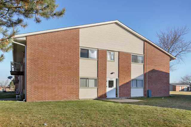 1577 Jill Court #101, Glendale Heights, IL 60139 (MLS #10587835) :: Property Consultants Realty