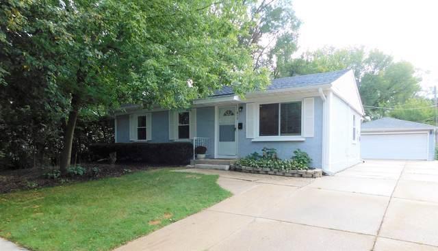 417 Saint Marys Parkway, Buffalo Grove, IL 60089 (MLS #10587985) :: Helen Oliveri Real Estate