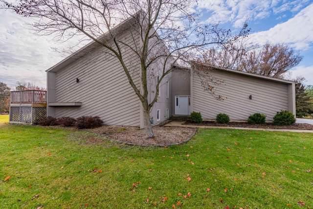 8958 Cherokee Circle, Bloomington, IL 61705 (MLS #10588581) :: The Wexler Group at Keller Williams Preferred Realty