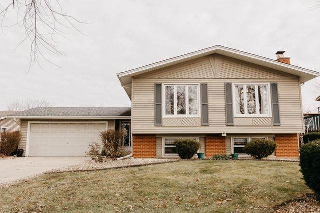 15301 Arroyo Drive, Oak Forest, IL 60452 (MLS #10588646) :: The Wexler Group at Keller Williams Preferred Realty