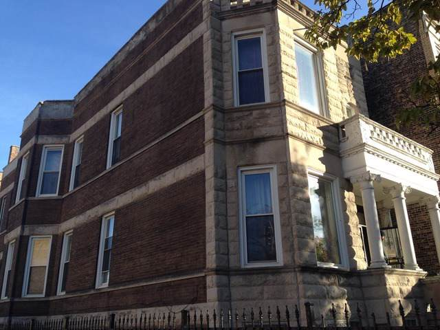 3356 W Douglas Boulevard, Chicago, IL 60623 (MLS #10588662) :: The Mattz Mega Group